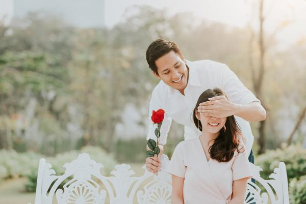Valentine's Day Date Ideas To Fall In Love With